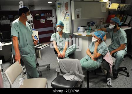 Réunion de transmission à l'hôpital
