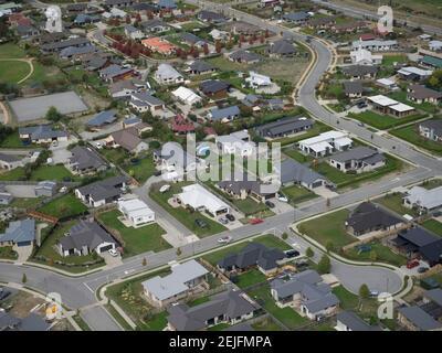 Vue aérienne des maisons dans une ville, Wanaka, Queenstown-Lakes District, Otago, South Island, Nouvelle-Zélande