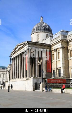 La National Gallery, Trafalgar Square, fermée pour le confinement de Covid, peut rouvrir le 12 avril dans le cadre de la feuille de route du gouvernement, annoncée le 22 février 2021