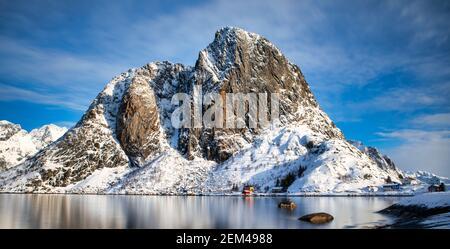 Hamnoy est un petit village de pêcheurs situé dans l'archipel des îles Lofoten, en Norvège.