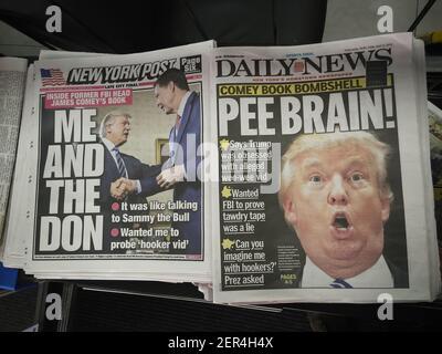 Les titres des journaux de New York le vendredi 13 avril 2018 rapportent la sortie de l'ancien directeur du FBI James Comey's book 'A Higher Loyalty'. (Âphoto de Richard B. Levine)