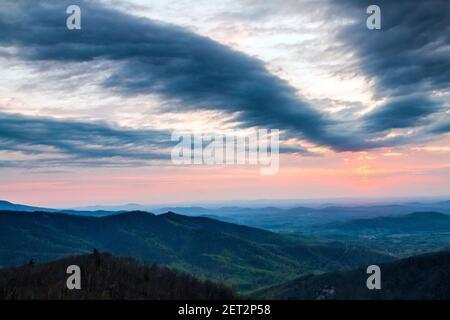 Photo printanière spectaculaire du parc national de Shenandoah en Virginie. Banque D'Images