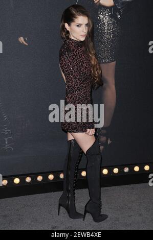 Anna Kendrick arrive à la première « Pitch Perfect 3 » de Los Angeles qui s'est tenue au Dolby Theatre à Hollywood, Californie, le mardi 12 décembre 2017. (Photo de la Sathanlee B. Mirador/Sipa USA)