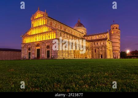 Cathédrale de Pise et la Tour de Pise, Italie