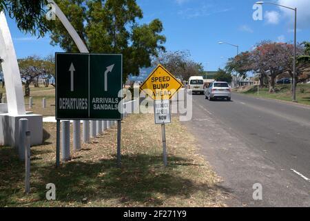 panneaux routiers à l'aéroport international maurice bishop st george grenade îles du vent des antilles