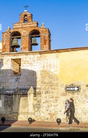 République Dominicaine Santo Domingo Ciudad Colonia Zona Colonial, Basilique Santa María la Menor Cathédrale nationale 1541, clocher catholique de style gothique