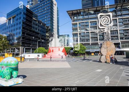 Centre-ville de Melbourne et immeubles de bureaux sur la rive sud, Victoria, Australie ensoleillé jour d'automne