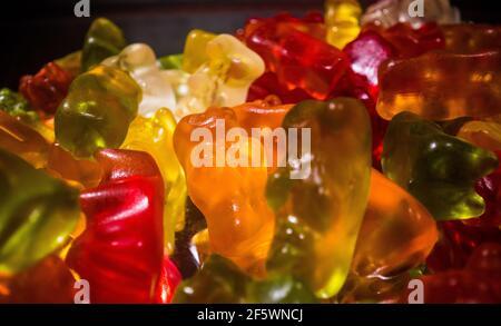 Ours en gelée colorés ou bébés en gelée en gros plan
