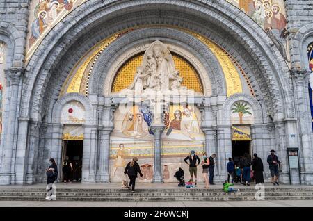 Basilique Rosaire, Sanctuaire de Lourdes, Lourdes, département des Hautes-Pyrénées, Occitanie, France.