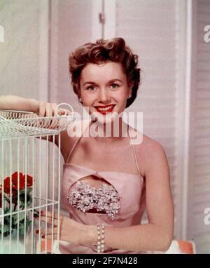 DEBBIE REYNOLDS (1932-2016) actrice américaine vers 1950