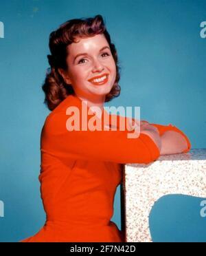 DEBBIE REYNOLDS (1932-2016) actrice américaine vers 1960