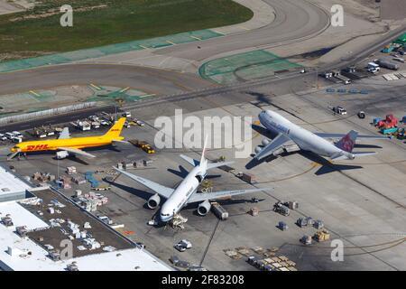 Los Angeles, États-Unis - 20. Février 2016 : China Airlines Cargo Boeing 747-400 à l'aéroport de Los Angeles (LAX) aux États-Unis. Boeing est un fabricant d'avions