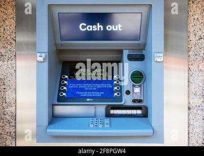 Distributeur automatique de billets ou distributeur automatique de billets au centre-ville de Liverpool