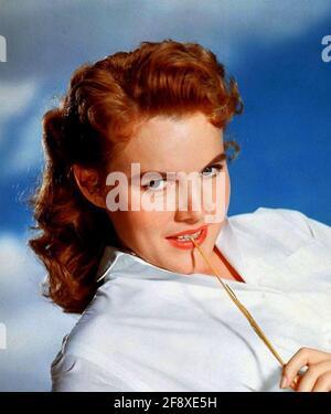 CARROLL BAKER actrice américaine de scène, de film et de télévision vers 1955