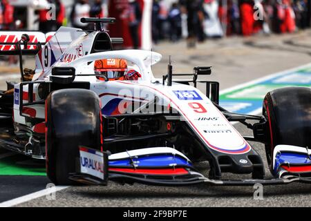 Nikita Mazepin (RUS) Haas F1 Team VF-21. Grand Prix Emilia Romagna, samedi 17 avril 2021. Imola, Italie.