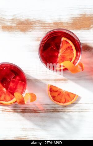 Cocktails d'orange avec jus d'orange de sang, pris par le dessus