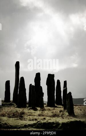 Pierre néolithique préhistorique de Tursachan à Callanish, île de Lewis, Écosse. Aka Callanish I. le grand monolithe central et une partie du cercle central