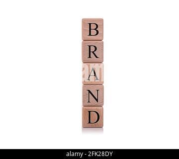 Marque. Cubes en bois avec le mot marque sur fond blanc.