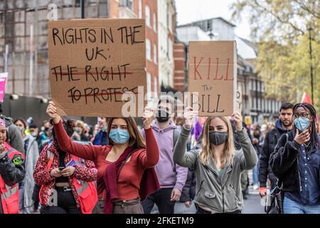 Des milliers de manifestants ont défilé dans le centre de Londres contre le nouveau projet de loi sur la police, le crime, la détermination de la peine et les tribunaux, Londres, Angleterre, Royaume-Uni