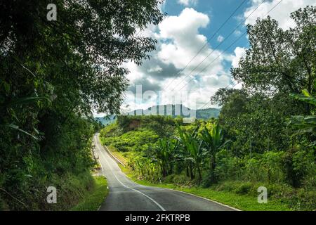 Kampung Semaru Road, Padawan, Sarawak, Malaisie orientale