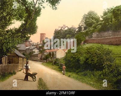 Une scène de rue de Ross-on-Wye dans le Herefordshire, vers 1890-1900