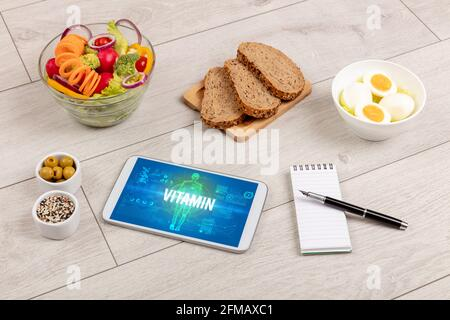 Tablet PC avec fruits, concept médical