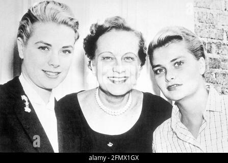 Kelly, Grace, 12.11.1929 -14.9.1982, actrice américaine, avec sa sœur, Et sa mère, DROITS-SUPPLÉMENTAIRES-AUTORISATION-INFO-NON-DISPONIBLE