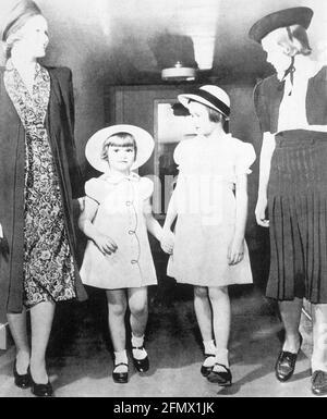Kelly, Grace, 12.11.1929 -14.9.1982, actrice américaine, avec ses sœurs Lizanne, (* 1933), Peggy, DROITS-SUPPLÉMENTAIRES-AUTORISATION-INFO-NON-DISPONIBLE
