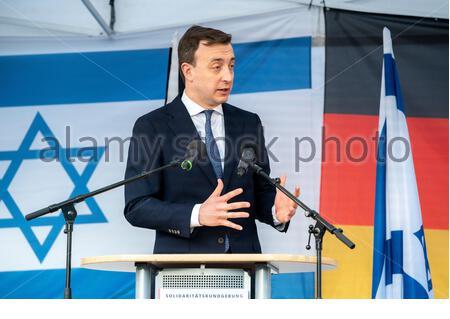 Berlin, Allemagne. 20 2021 mai : Paul Ziemiak, solidarité rallye Israël. Contre tout antisémitisme, à Berlin sur Pariser Platz le 20 mai 21, crédit: Tim Eckert/Alay Live News