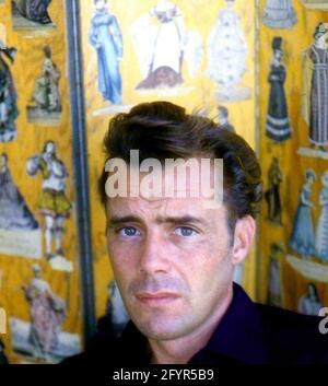 DIRK BOGARDE (1921-1999) acteur et écrivain anglais vers 1965