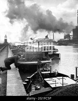 Géographie / voyage, Allemagne, Rhénanie-du-Nord-Westphalie, région de la Ruhr, quai de chargement pour le charbon, INFO-DROITS-AUTORISATION-SUPPLÉMENTAIRES-NON-DISPONIBLE