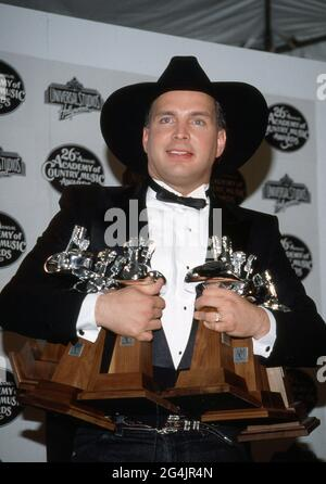 Garth Brooks au 26e prix annuel de l'Académie de musique country à Universal Ampitheater à Universal City, Californie le 24 avril 1991 crédit: Ralph Dominguez/MediaPunch