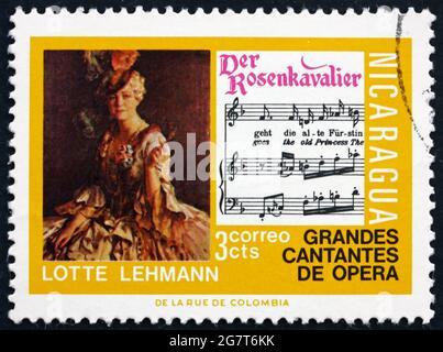NICARAGUA - VERS 1975 : un timbre imprimé au Nicaragua montre Lotte Lehmann, Der Rosenkavalier, célèbre chanteur d'opéra, vers 1975