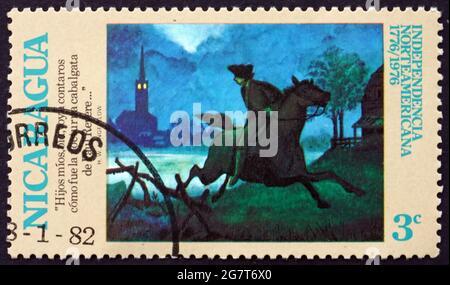NICARAGUA - VERS 1975: Un timbre imprimé au Nicaragua montre le tour de minuit de Paul Revere, bicentenaire américain, vers 1975