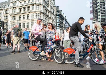 LONDRES, ANGLETERRE- 24 juillet 2021 : manifestations anti-verrouillage au rassemblement mondial pour la liberté