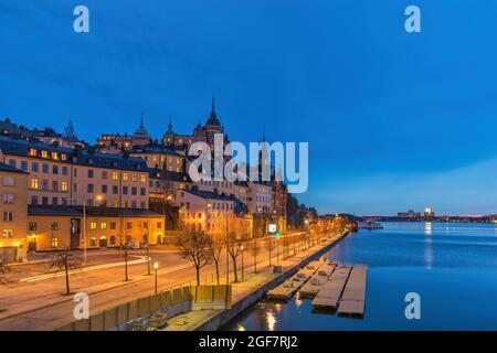 Stockholm Suède, ville de nuit à Gamla Stan et Slussen