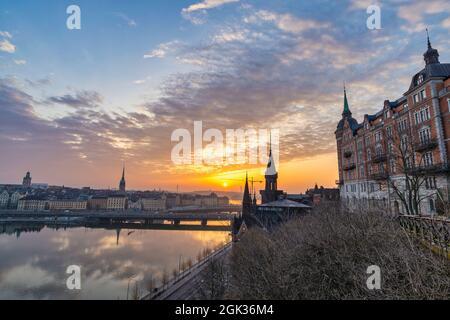 Stockholm Suède, horizon de la ville au lever du soleil à Gamla Stan et Slussen