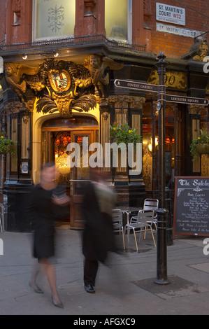 London pub traditionnel nr Covent Garden le West End London UK Banque D'Images