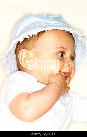 À l'âge de six mois, bébé garçon Banque D'Images