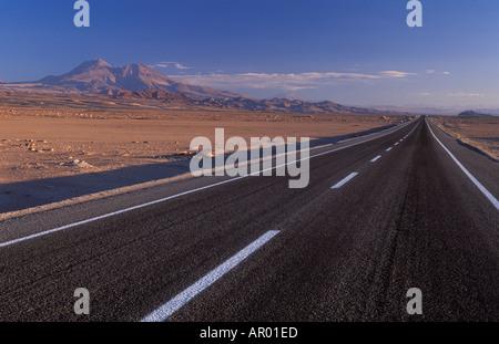 Route de désert d'Atacama au Chili Socaire Banque D'Images