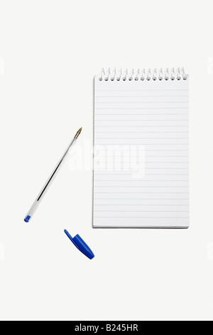 Un bloc-notes et stylo Banque D'Images