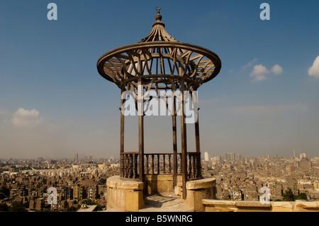 Skyline du Caire vu de Saladin ou Salaḥ ad-Dīn une citadelle fortification islamique médiévale situé sur la colline Banque D'Images