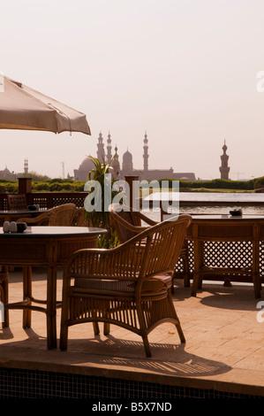 Avis de Saladin ou Salaḥ ad-Dīn une citadelle fortification islamique médiévale à partir d'un restaurant au parc Banque D'Images