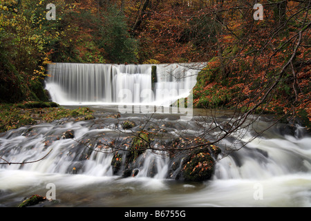 Tockghyll 'force' de cascades à l'automne à quelques pas du centre d'Ambleside, Lake District, UK Banque D'Images