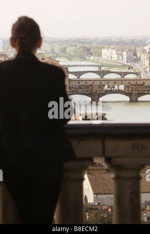 Ponte Vecchio vu à partir de la Piazzale Michelangelo, Florence, Toscane, Italie Banque D'Images