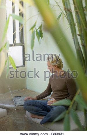 Man patio bench Banque D'Images