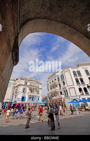TUNIS, TUNISIE. Place de la Victoire, comme vu par Bab el Bahr (la porte de la mer). L'année 2009. Banque D'Images