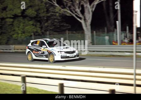 Sport Automobile: Rallye d'Australie 2009/WRC Rallye de nuit sur un circuit sprint chronométré Banque D'Images