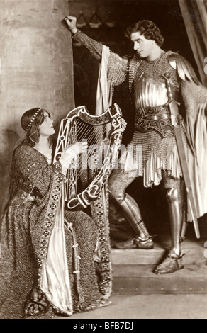 Chevalier médiéval et sa dame juste Banque D'Images