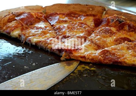 Pizza au pepperoni Banque D'Images